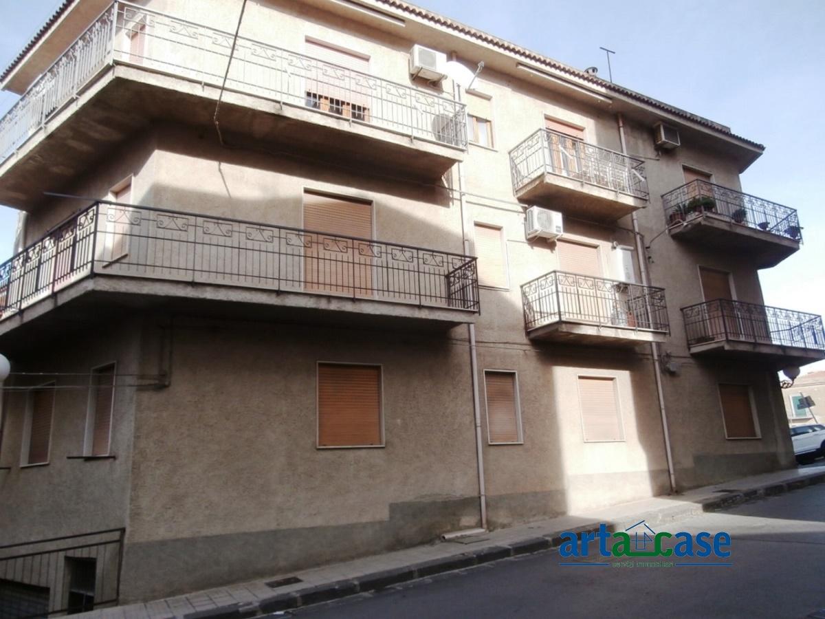 Appartamento in vendita a Acquedolci, 4 locali, prezzo € 90.000   Cambio Casa.it