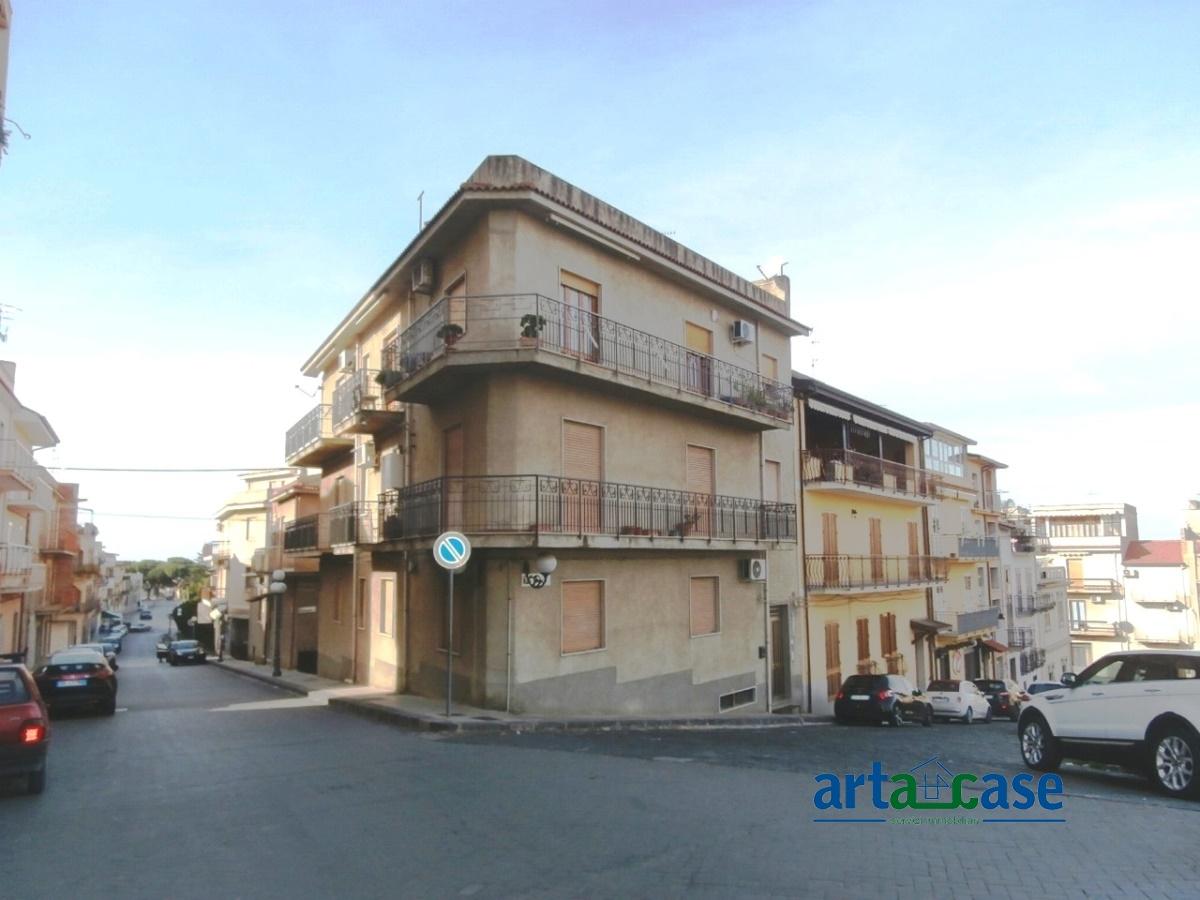 Appartamento in vendita a Acquedolci, 4 locali, prezzo € 90.000 | Cambio Casa.it