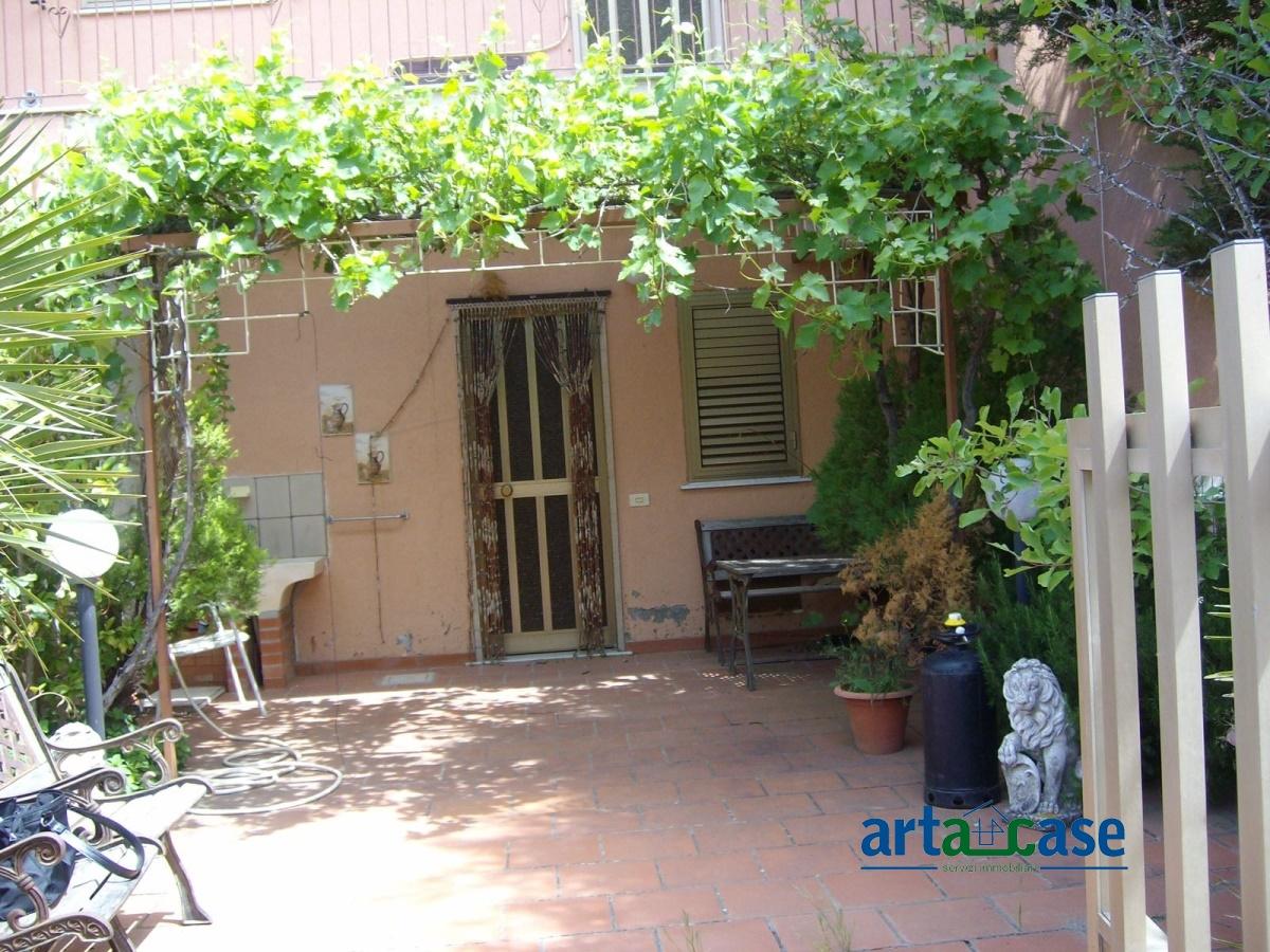 Villa in vendita a Montalbano Elicona, 3 locali, prezzo € 59.000 | CambioCasa.it
